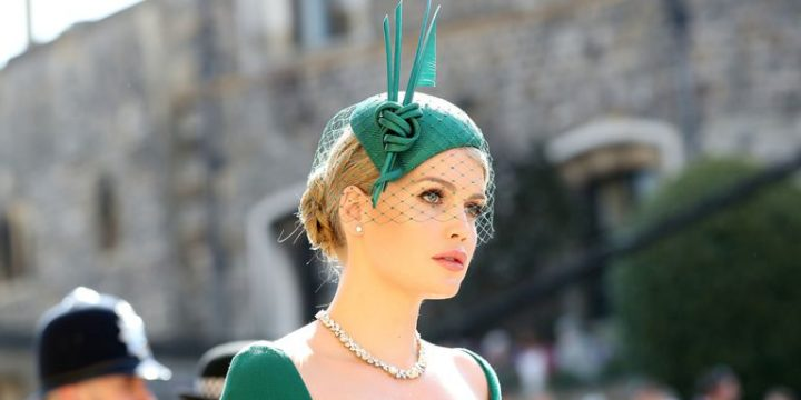 How to wear a fascinator : Style Tips